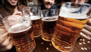 お酒の席の成功はビジネスの成功に通じる?「乾杯」の英語をマスターしよう〜オフィスの外のビジネス英語2